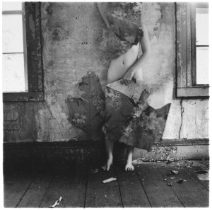 Francesca Woodman, Space2, Providence, Rhode Island, 1976, Gelatin silver print, 13.7 x 13.3 cm, Courtesy George and Betty Woodman , © George and Betty Woodman.