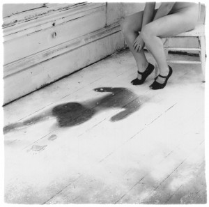 Francesca Woodman, Untitled, Providence, Rhode Island, 1976, Gelatin silver print, 14 x 14.1 cm, Courtesy George and Betty Woodman , © George and Betty Woodman.